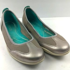 Ecco Silver Walking Shoe Size 37, 6-6.5